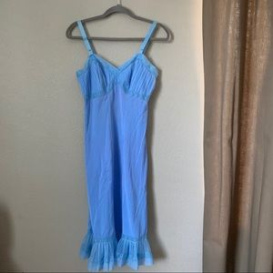 Rogers Vintage Blue Nightgown Size 34 Embroidered